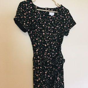 Stunning vintage floral wrap style dress